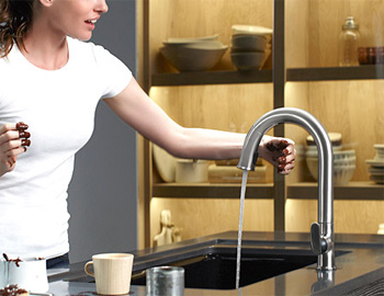 Touchless Kitchen Faucets And Handsfree Faucets In Miami - Touch free kitchen faucet