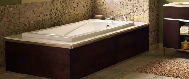 Bathtubs Miami in our Showroom